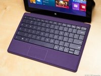 Microsoft-Intel 2-in-1 tablets have legs but still wobbly
